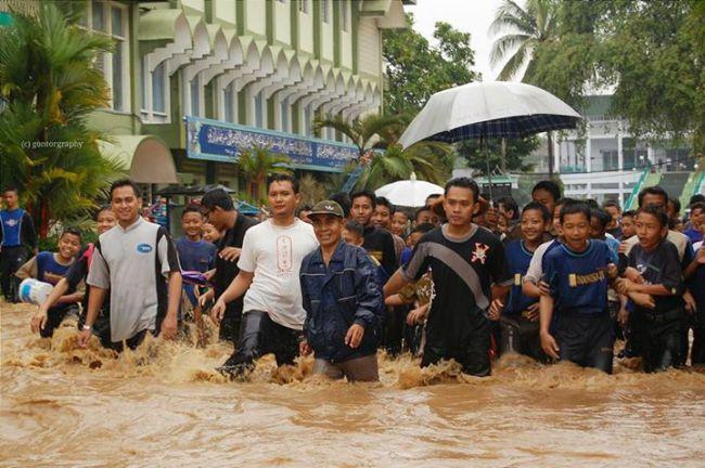 Orang sombong sumber bencana